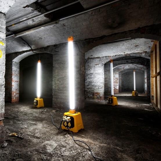 4ft Uplight light stick 110V 36W and splitter base