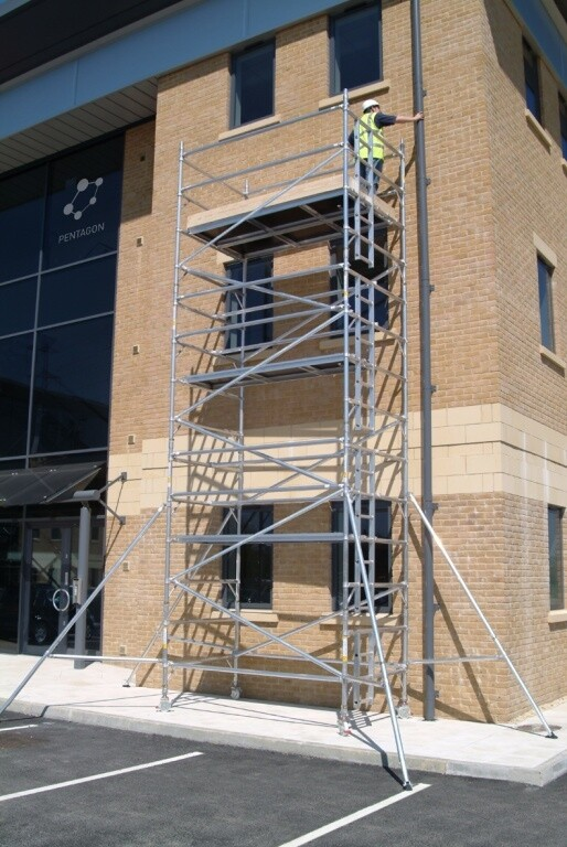 Aluminium Mobile Access Tower - 1.40m Wide x 1.8m or 2.5m Long