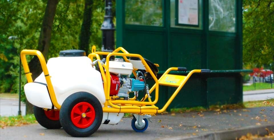 Cold Water Petrol Pressure Washer with Mini Bowser