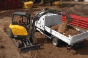 3 Tonne Digger/Excavator c/w Buckets