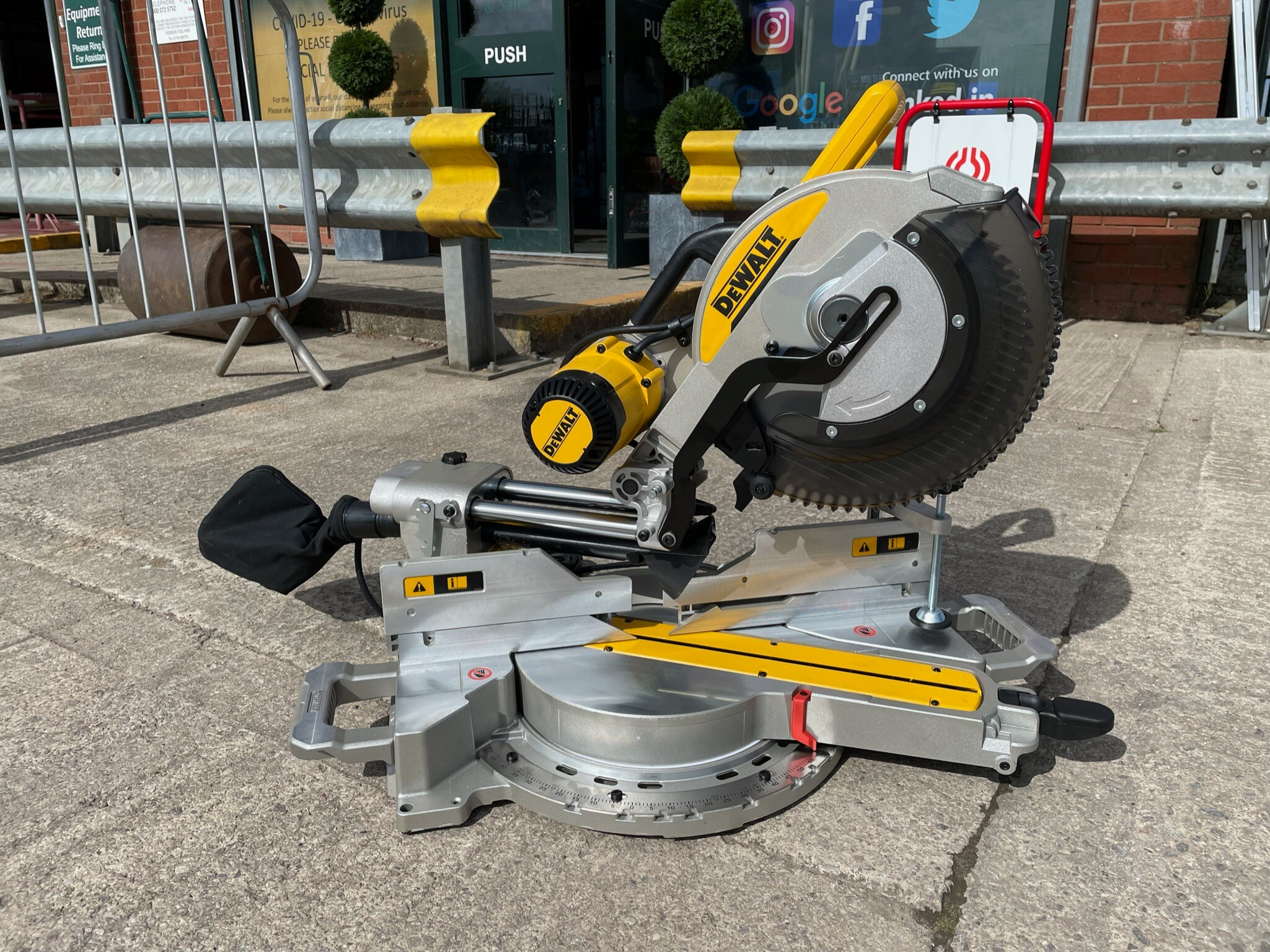 Electric Mitre Saw